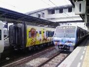 左:2107ほか 右:22D 2004ほか 松山