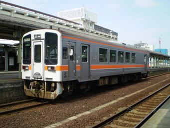 キハ11-306 松阪にて