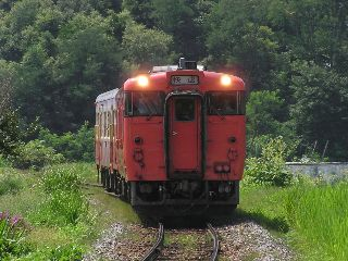 "3822D 快速""べにばな"" 羽前椿〜萩生"